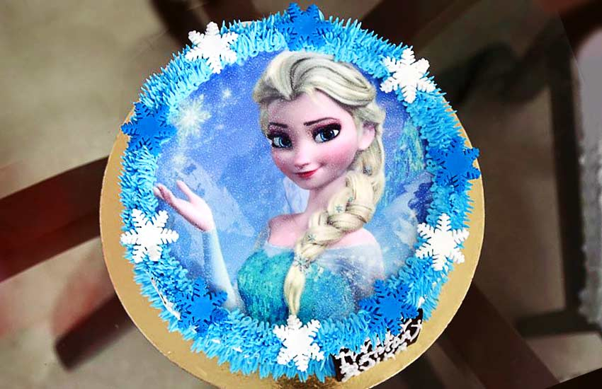 how to Create a Strong Brand frozen-elsa-cake