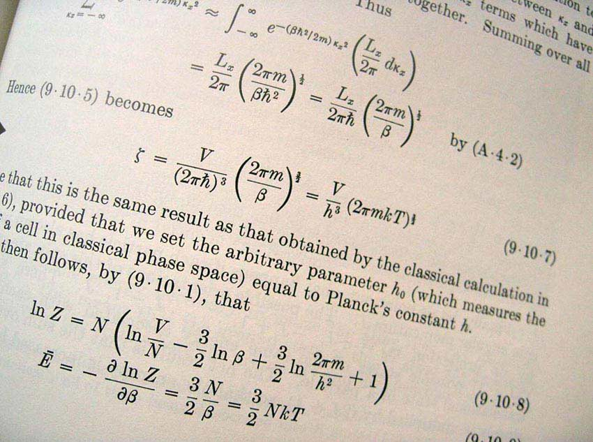 What qualifications do you need to be a physicist
